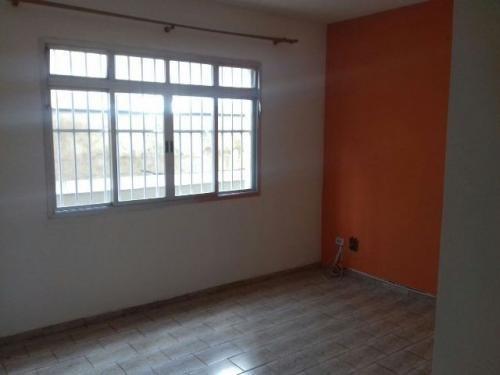 vendo um apartamento no centro de itanhaém, preço baixo!