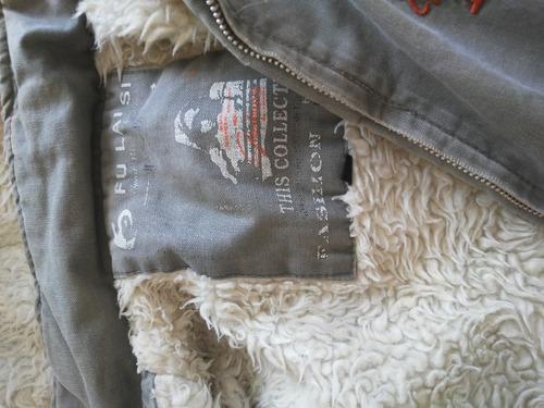 vendo uma jaqueta de tecido, usadas, forradas com capuns