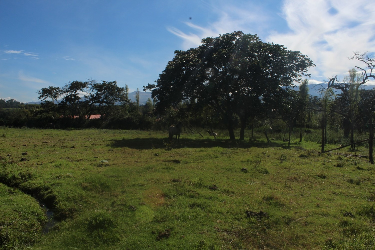 vendo un terreno en tumbaco