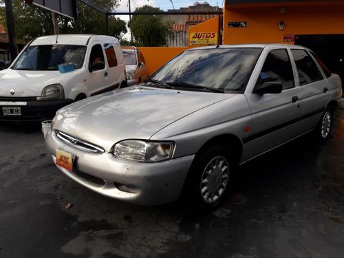 vendo urgente ford escort  año 1999 clx !! entrega inmediata