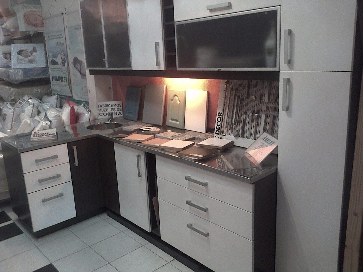 Vendo Urgente Mueble De Cocina De Fabrica-mueble Exposicion- - $ 109.950,00