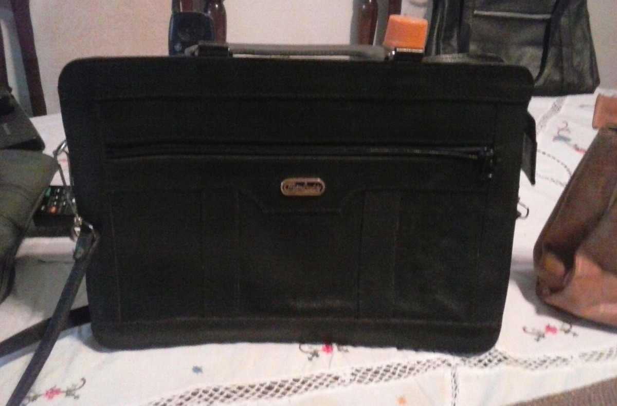 28fb17c95 Vendo Varias Carteras Pequeñas De Cuero - Bs. 5.000,00 en Mercado Libre