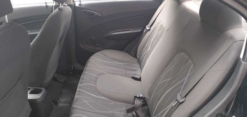 vendo vehiculo toyota auris 2014-chevrolet sail 2014.