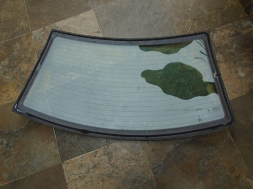 vendo vidrio trasero de skoda fabia, año 2005, sedan