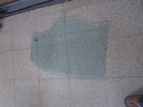 vendo vidrio trasero derecho de chevrolet optra año 2007