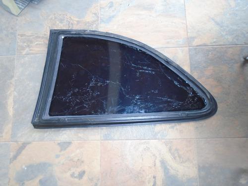 vendo vidrio trasero derecho de hyundai accent, año 1996