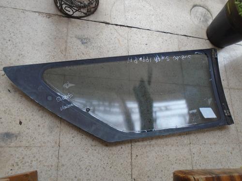vendo vidrio trasero derecho  de suzuki swift, año 1996
