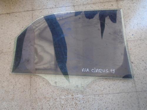 vendo vidrio trasero izquierdo de kia claurus, año 1998