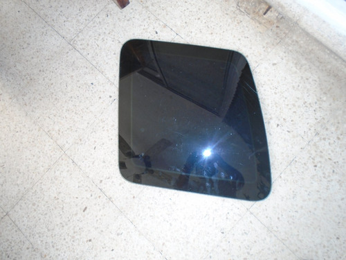 vendo vidrio trasero izquierdo de land rover freelander 1999
