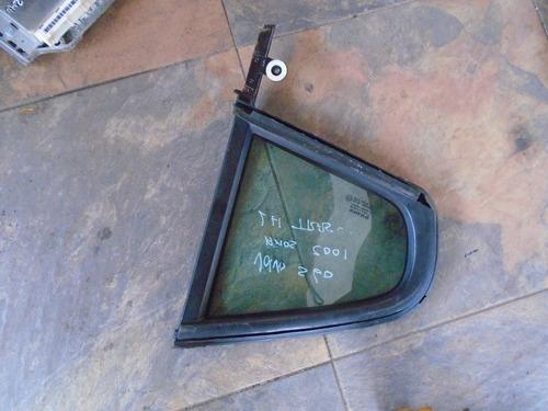 vendo vidrio trasero lh triangular de volvo s60, año 2001