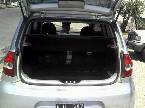 vendo vw fox 2006 confortline 3 ptas aire y direccion  !!!!!