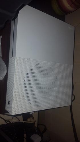 vendo xbox one s 1tb + 1 controle+ 3 jogos