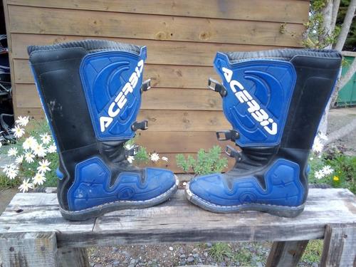 vendo yamaha dt175+cascos+botas!!! solo interesados