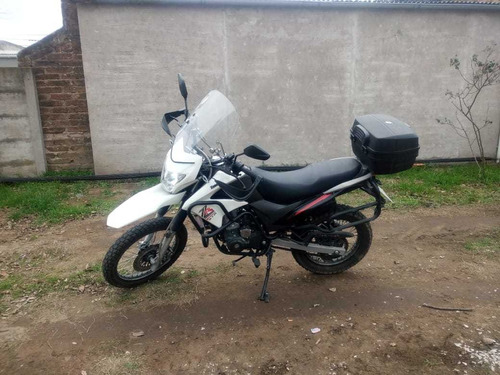 vendo zanella zr 250 gta .