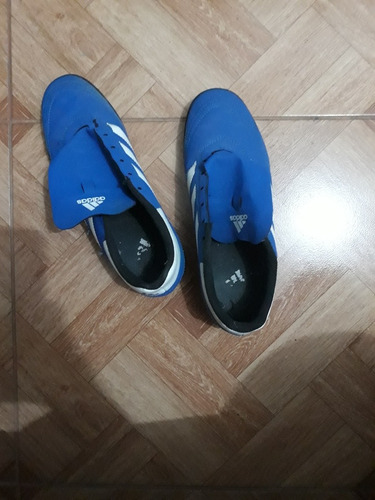 vendo zapatillas adidas color azul  de segunda