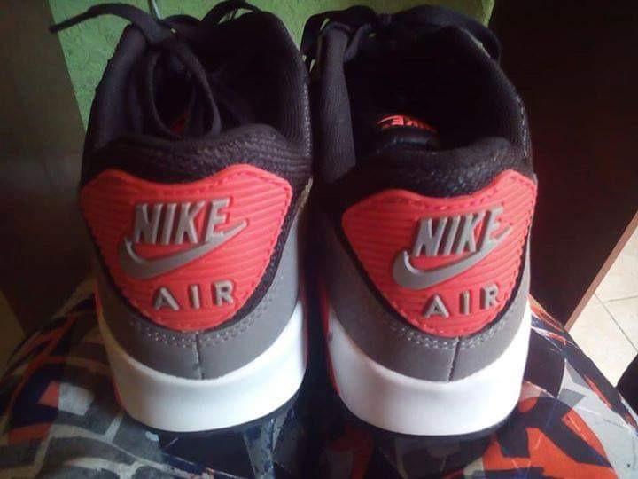 new arrival 131ac caa35 Vendo Zapatillas Nike Air Max 90 En Muy Buen Estado . -  110.000 en  Mercado Libre