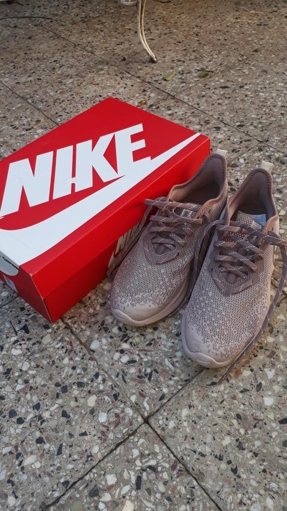 Aire De Zapatillas Nuevas Cámara Vendo Con Nike Casi 5R4jLqc3A