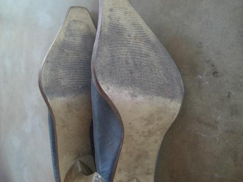vendo zapatos altos d punta laura ferrari italia talla 40