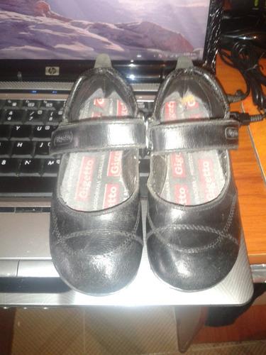 vendo zapatos gigetto de niña