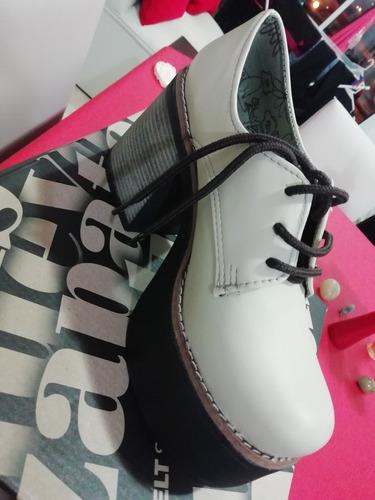 vendo zapatos sin uso talle 38 en su caja