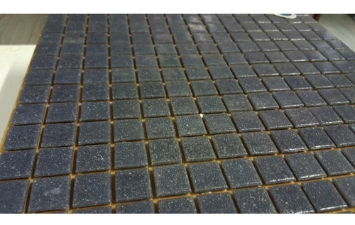venecitas color gris oscuro 2x2 p revest de baño o piletas