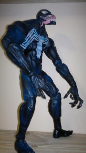 venom 32 cm marvel enemigo de spiderman