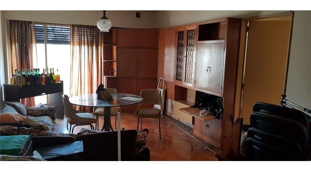 venta 2 amb. balcon al frente piso alto balvanera