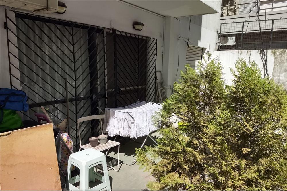 venta 2 amb. con balcón terraza en recoleta