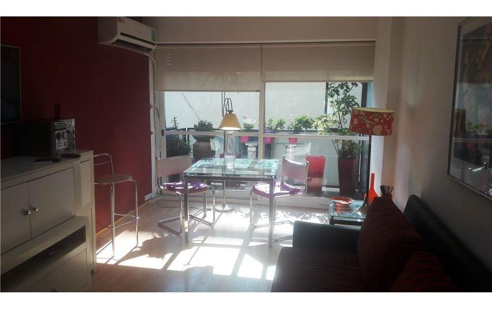 venta 2 amb. con balcón y cocina separada