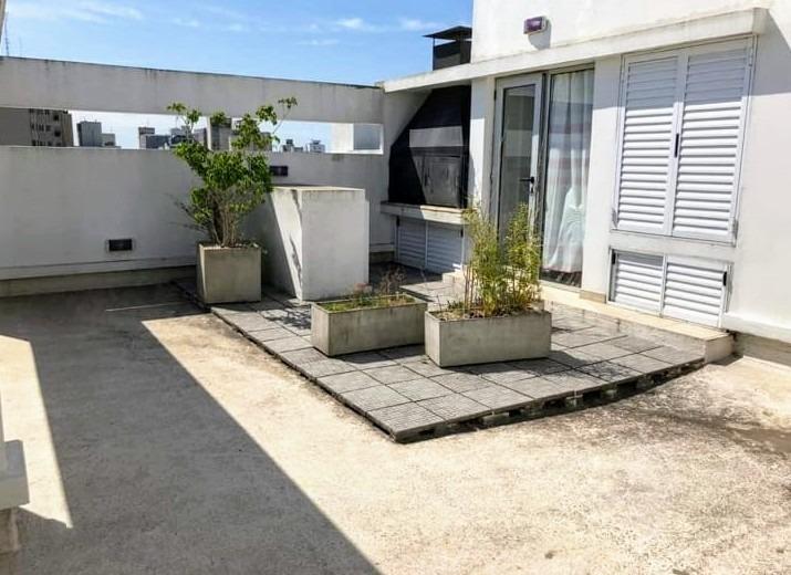 venta 2 amb c/terraza privada. exc. ubicación, la plata.