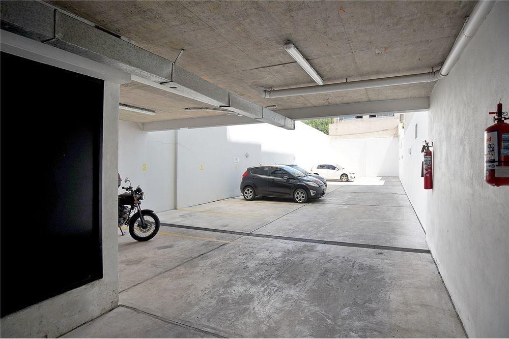 venta 2 amb. frent +vestidor+balcón + cochera