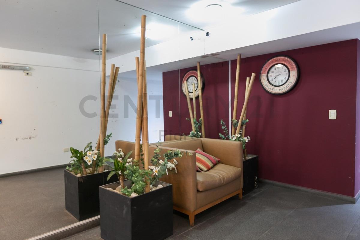 venta 2 ambientes amplio con cochera y parrilla propia, palermo