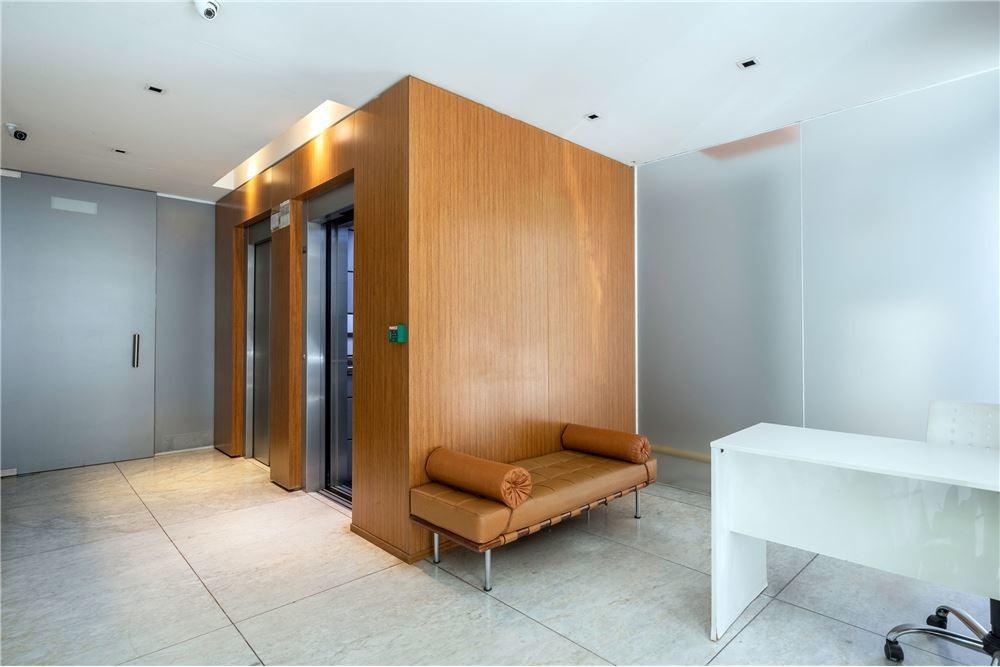 venta 2 ambientes muy luminoso. cochera. amenities