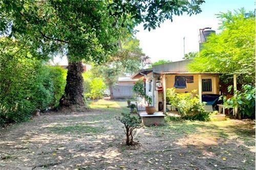 venta 2 casas en garin con entradas indep.+parque