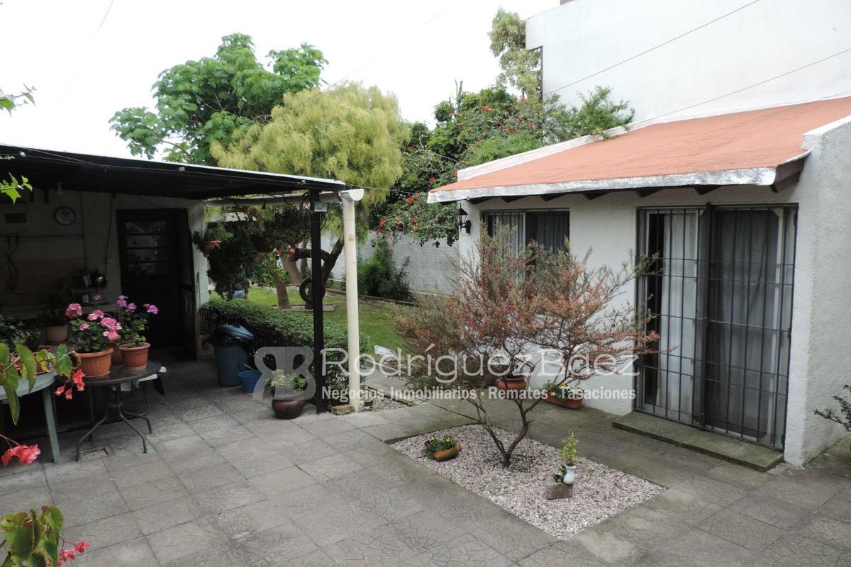 venta 2 casas mismo padrón fondo enjardinado garaje 5 dormit