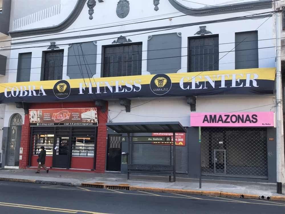 venta 2 locales av galicia con departamento