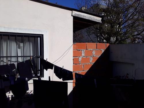 venta 2 ph  al frente entrada independiente villa ortuza