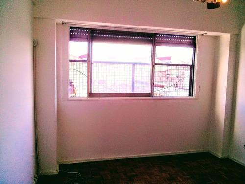 venta 3 ambientes c/ balcón. apto profesional