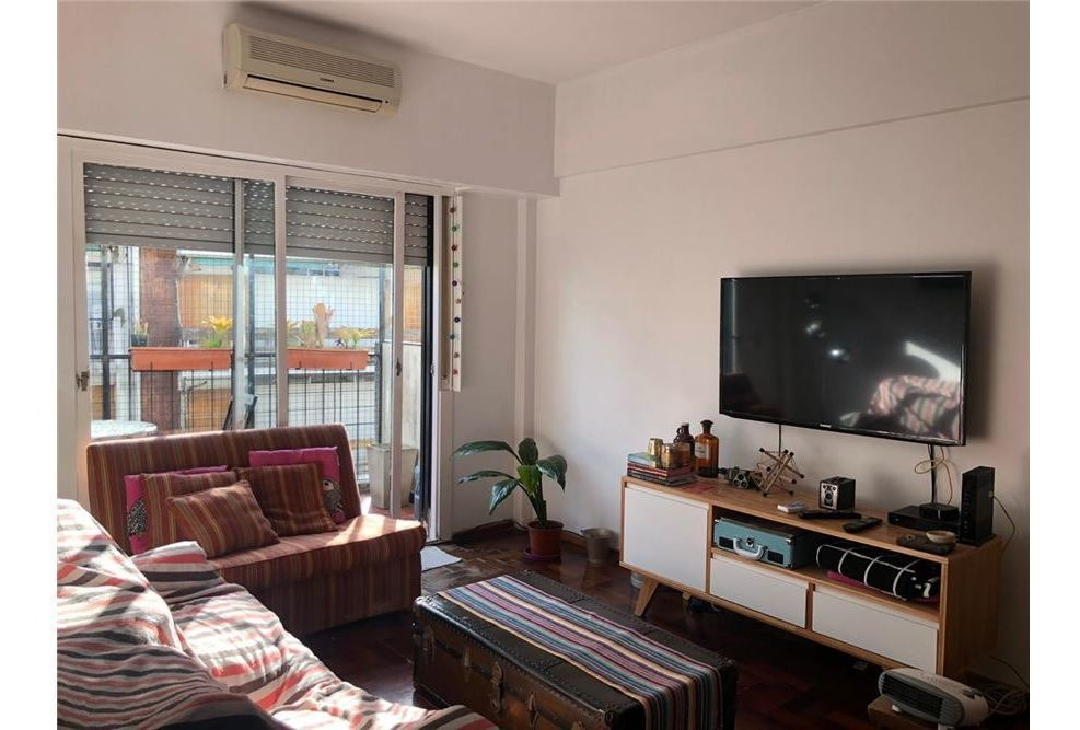 venta 3 ambientes colegiales frente balcón