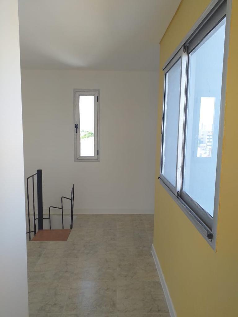 venta 3amb 90 m2 con cochera cubierta  en lanus este centro