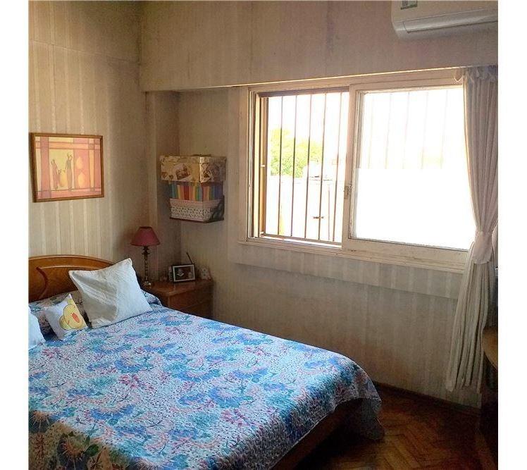 venta 4 ambientes con balcón en flores!!