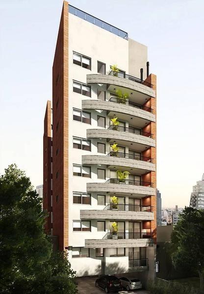venta - 4 ambientes con balcón terraza y parrilla - edificio con pileta - caballito