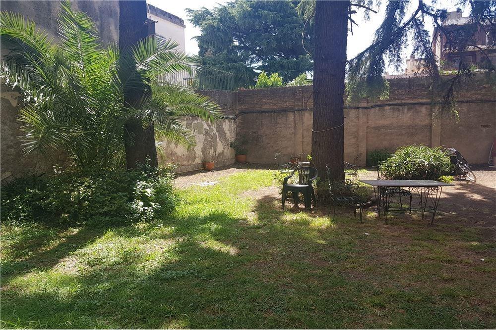 venta 4 ambientes en villa del parque.