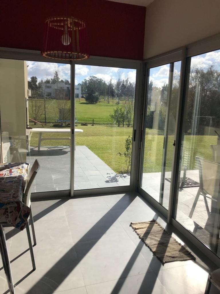 venta alquiler casa 3 dormitorios 4 baños lomas de la tahona #441