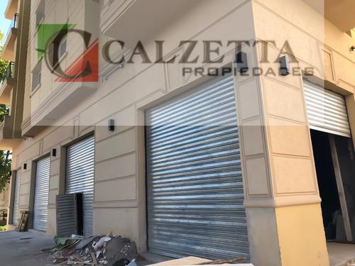 venta / alquiler local comercial sobre avenida alsina 130m2
