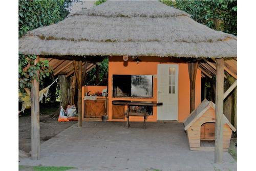 venta - amplia casa quinta en moreno