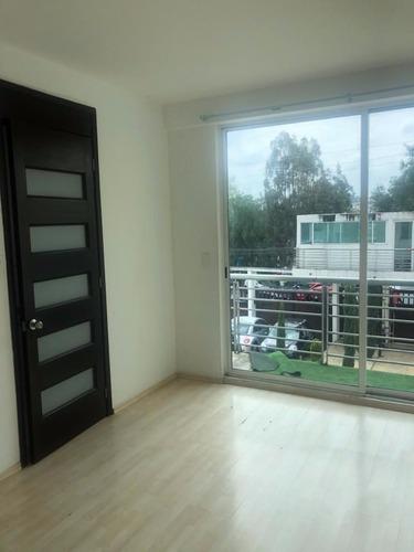 venta  amplio departamento en jardines de atizapán