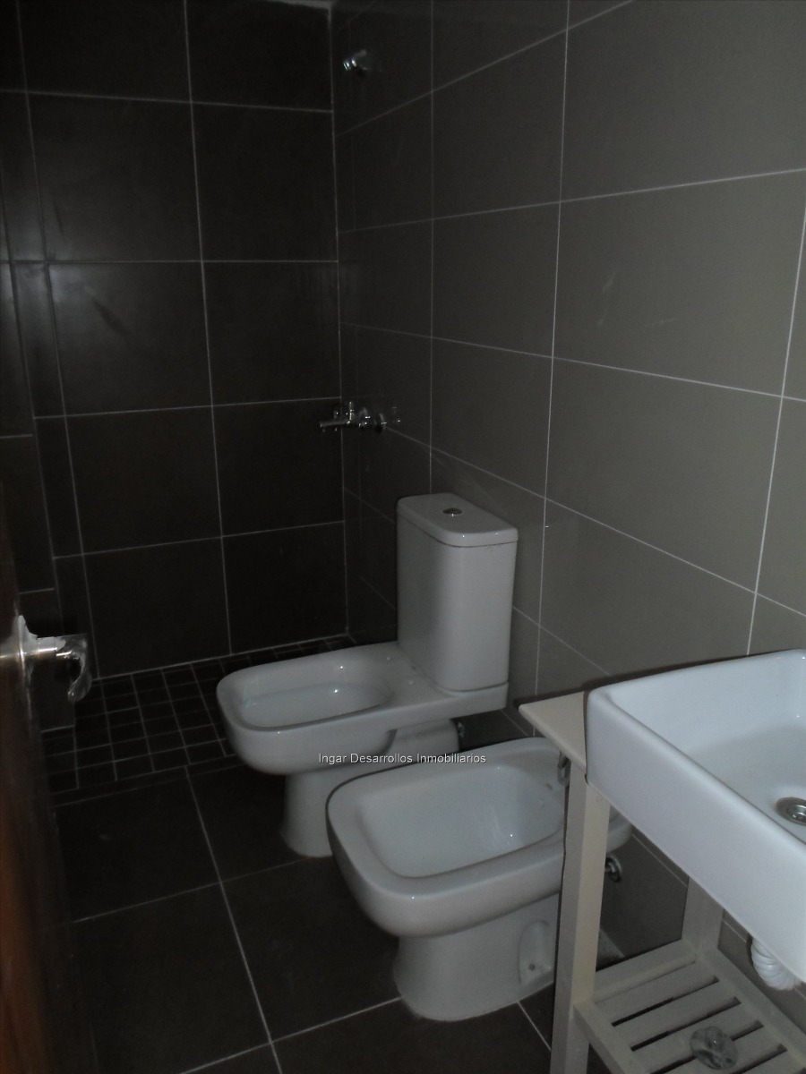 venta apartamento 2 dormitorios 2 baños, garaje p/ 2 autos!