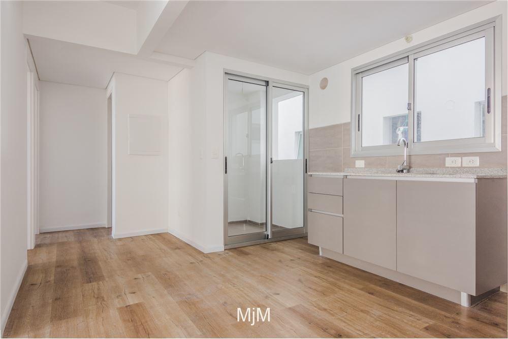 venta apartamento 2 dormitorios en 18 de julio.