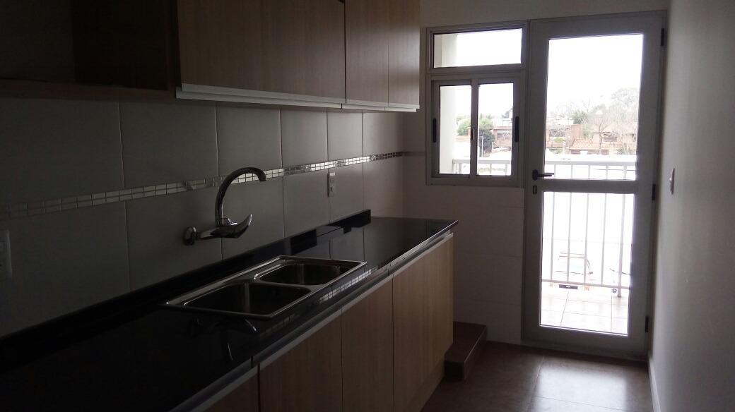 venta apartamento 2 dormitorios,malvin parrillero comun.